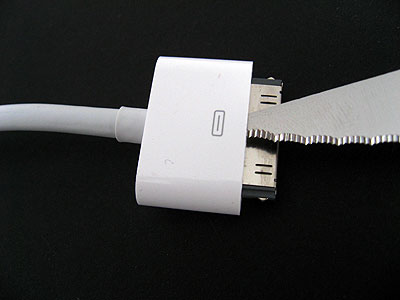 What's Inside: Apple's 2007 AV Cable 3