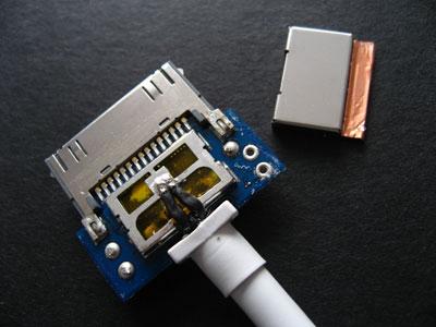 What's Inside: Apple's 2007 AV Cable 7
