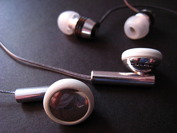 iDesign: The Art of V-Moda's Vibe Earphones