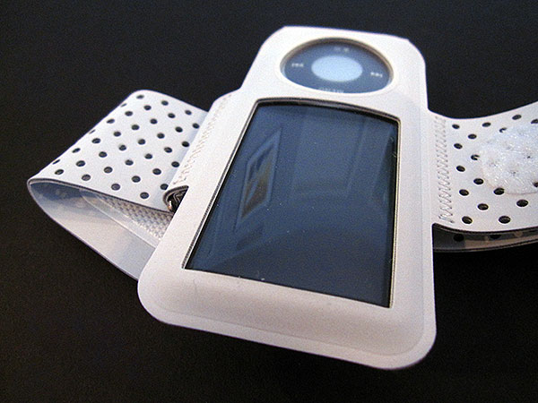First Look: Apple iPod nano Armband (5th Generation)