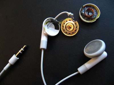 Inside Apple's iPod Earbuds: Dissection Photos 1