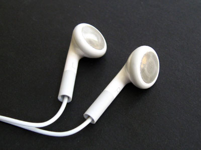 Review: Apple Computer iPod Earphones (9/2006)