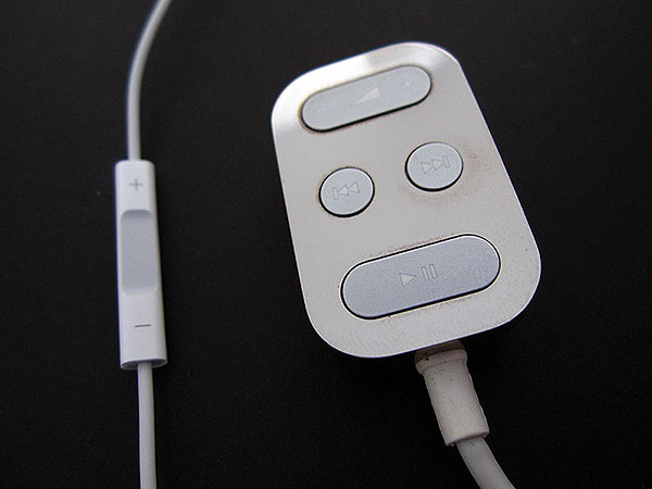 Review: Apple In-Ear Headphones with Remote and Mic