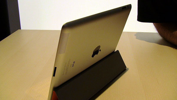 Review: Apple iPad 2 Wi-Fi / Wi-Fi + 3G GSM / CDMA (16GB/32GB/64GB)