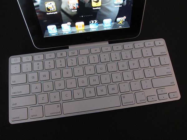 Review: Apple iPad Keyboard Dock 8