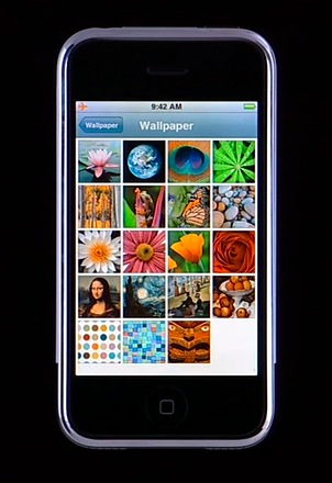 All Things iPhone: Interface and the 16 Applications 21