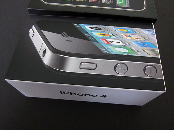 Review: Apple iPhone 4 (16GB/32GB) 18