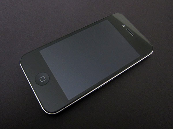 Review: Apple iPhone 4 (16GB/32GB) 4