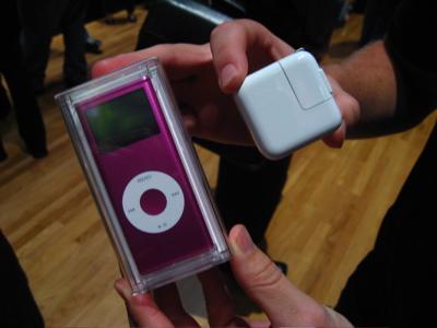 Review: Apple Computer iPod nano (Second-Generation) 2/4/8GB 55