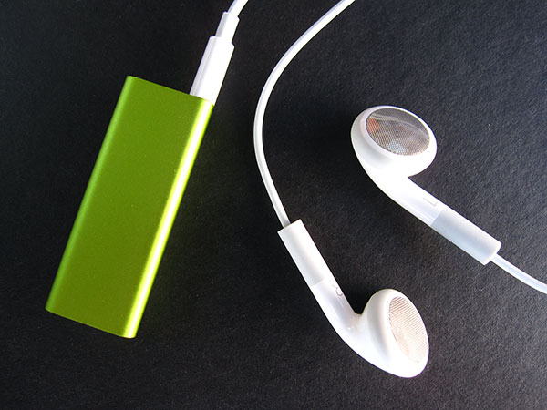 Review: Apple iPod shuffle (Third-Generation) 35