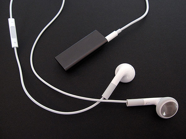 Review: Apple iPod shuffle (Third-Generation) 1