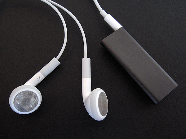 Review: Apple iPod shuffle (Third-Generation) 15