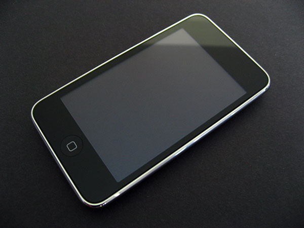Review: Apple iPod touch 2008 (8GB/16GB/32GB) + 2009 (8GB/32GB/64GB)