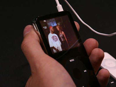 First Look Special: Apple Computer iPod (5G) with Video 10