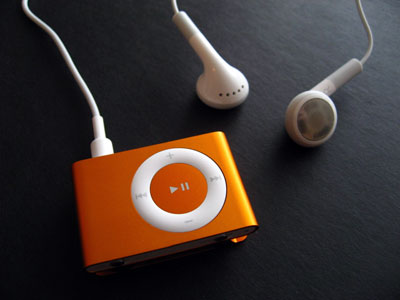 Review: Apple Computer iPod shuffle (Second-Generation) 3
