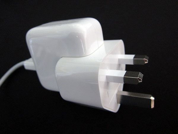 First Look: Apple World Travel Adapter Kit