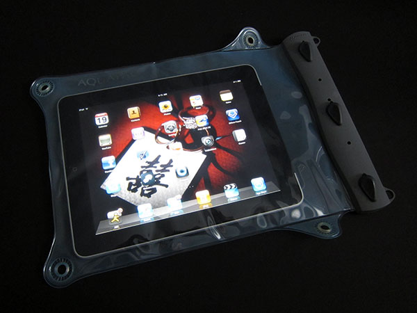 First Look: Aquapac 100% Waterproof Cases for iPad + iPhone 5