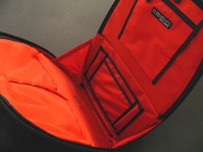 Axio's Fuse 06 – big, bold, black and red backpack