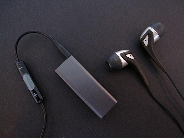 Review: Belkin Headphone Adapter for iPod shuffle 3G 1
