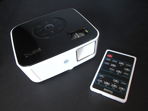 Geeking Out Right Now, or, the iPod/iPhone Mini Home Theater 3