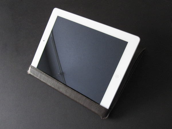 First Look: Bluetrek LostDog Leather Cover for iPad 2