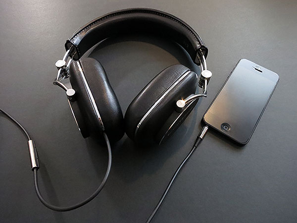 Review: Bowers & Wilkins P7 Headphones 1