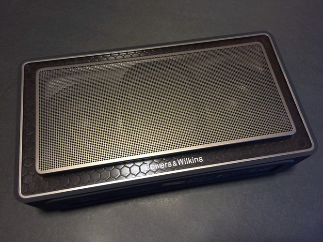 Review: Bowers & Wilkins T7 Bluetooth Speaker 4
