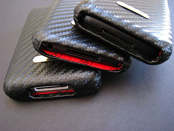 Review: Case-Mate Carbon Fiber Leather Cases for iPod classic, touch + iPhone