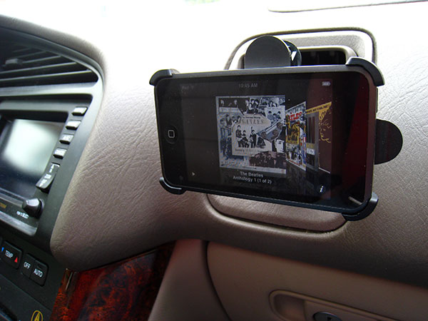 Review: DLO VentMounts for iPod touch + iPhone/3G