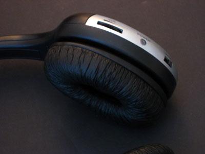 Review: FriendTech iDea Wireless Home Dock and Hi-Fi Headset