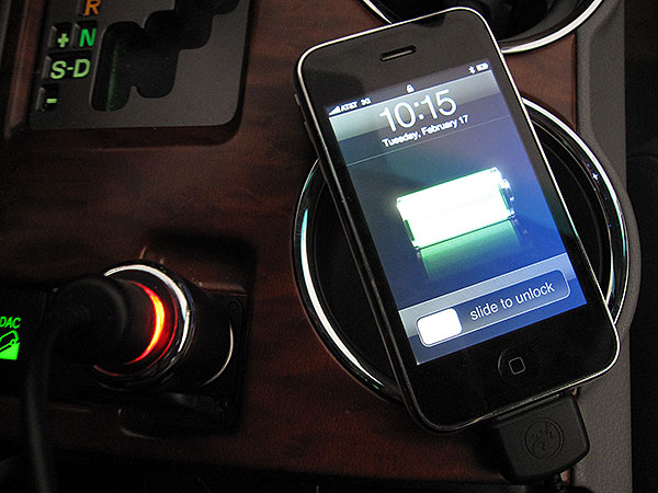Review: Gecko Gear Gecko Go In-Car Charger for iPod + iPhone 3G