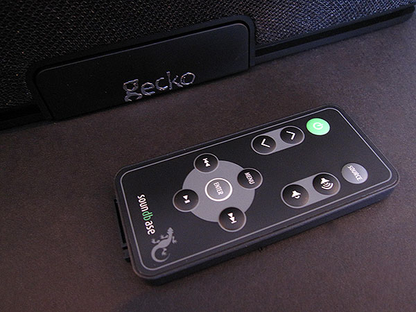 Review: Gecko Gear Soundbase Stereo Sound System + Radio for iPod