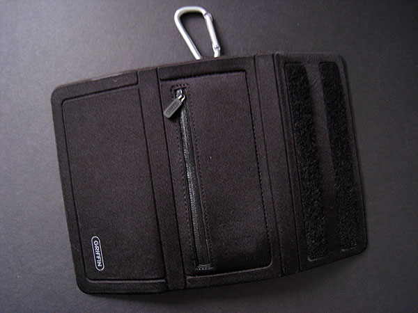 Review: Griffin Courier Utility Case for iPod touch, classic & iPhone