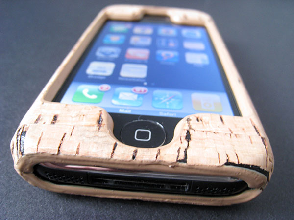Review: Griffin Elan Form Hard-Shell Natural Cork Case for iPhone