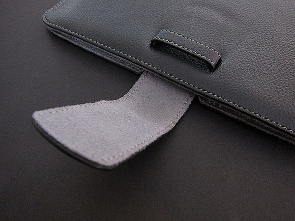 First Look: Griffin Elan Sleeve for iPad
