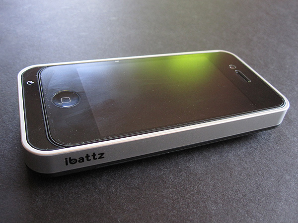 Review: Ibattz Mojo Removable Battery Case for iPhone 4
