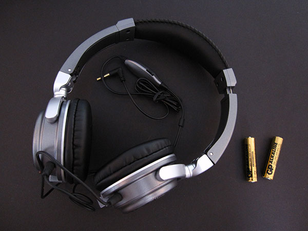 Review: iHome iHMP5 2-in-1 Stereo Speakers Plus Headphones