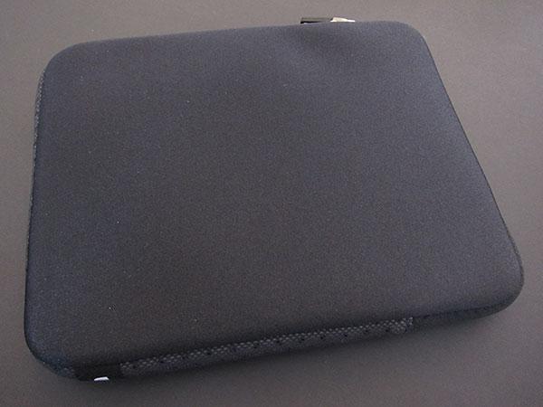 First Look: Incase Neoprene Sleeve Plus for iPad
