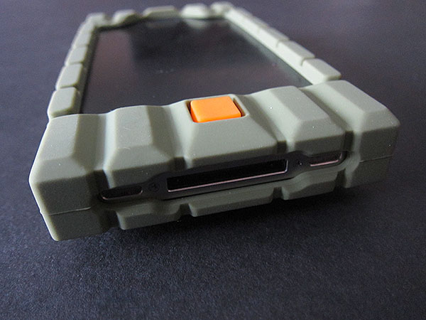 First Look: Incipio Bombproof for iPhone 4