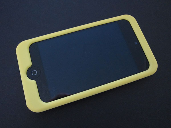 First Look: Incipio Dermashot, Feather + Silicrylic for iPod touch 4G