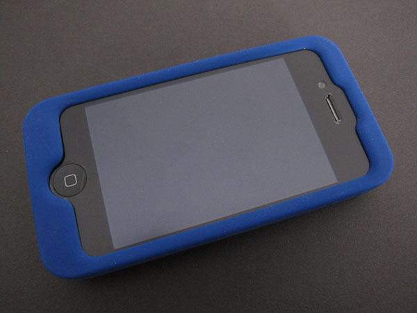First Look: Incipio Dotties for iPhone 4