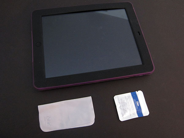 First Look: iSkin Duo for iPad