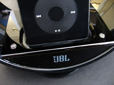 Review: JBL Radial Micro Superior Loudspeaker Dock for iPod 7
