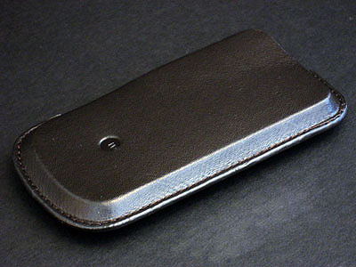 Review: Macally mSleeve Genuine Leather Protective Case for iPhone 1
