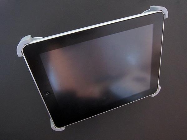 First Look: Maclove Titan Desktop Holders for iPad + iPhone 3GS