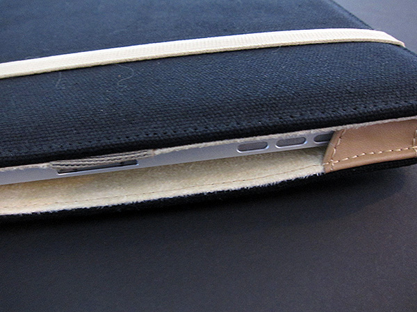 First Look: M-Edge Flip Jacket for iPad
