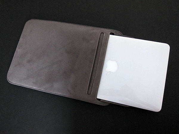 "MacBook Air 11"" Gets Moshi's Muse + Speck's SeeThru Satin"