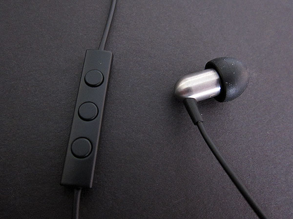 Review: NOCS NS800 Earphones With Remote and Mic for iPad, iPhone + iPod