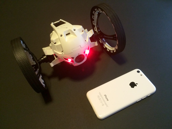 Review: Parrot Minidrone Jumping Sumo 1