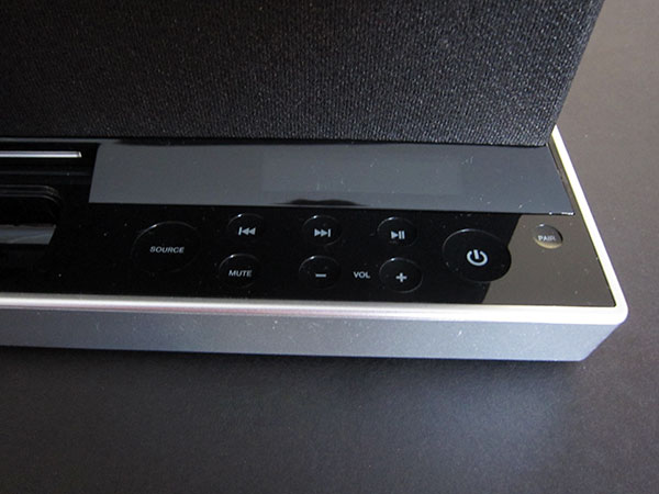 Review: Soundfreaq SFQ-01 Sound Platform for iPod + iPhone